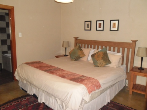 King or Queen bed, Room 5, The Hillside House
